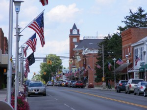 Downtown Bluffton, Ohio. Credit: Major Optics CC BY 3.0