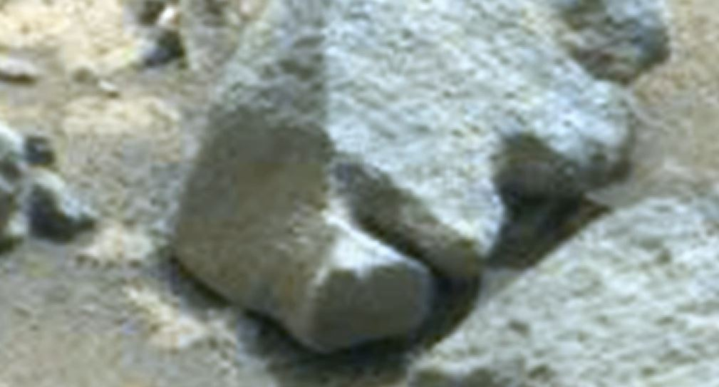 Man finds new human face carving in mars photograph